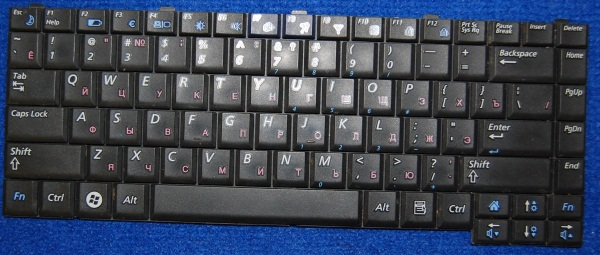 Клавиатура CNBA5902032 от ноутбука Samsung NP-R20Y, б/у