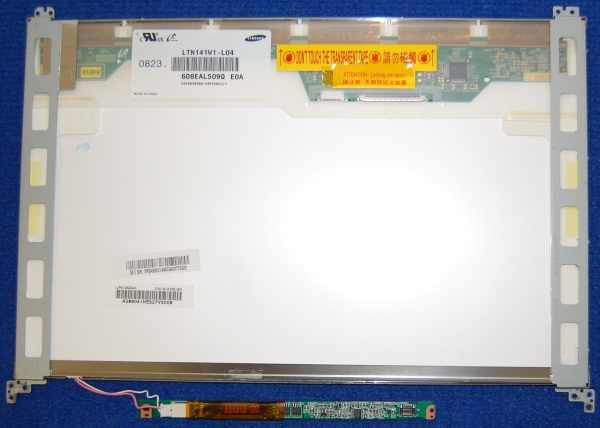 Дисплей LTN141W1-L04 с платой инвертора от ноутбука Samsung NP-R20Y, б/у